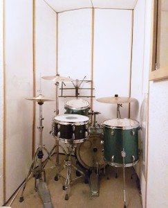 Studio 3 - Right handed setup only due to size